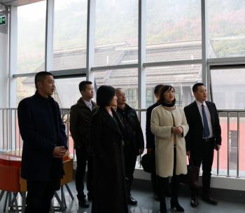 江苏隆力奇生物科技股份有限公司成都分公司一行到访雅安市群团组织社会服务中心