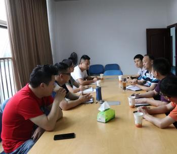 雅安市安监局党组书记、局长黄熹一行到市中心调研探讨合作座谈会