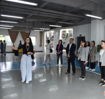 四川省红十字会项目筹资部副部长朱钦翥率队参访市群团中心